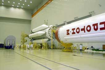 Proton-M-Startvorbereitungen; Credit: Roskosmos