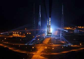 Atlas 5-Rollout; Credit: Pat Corkery, ULA