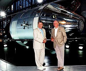 Wally Schirra und Neil Armstrong