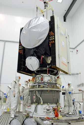 Dawn wird auf PAM 48B Oberstufe montiert; Credit: NASA
