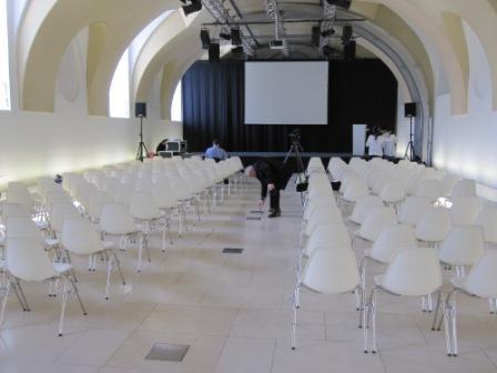Arena 21 vor Beginn; Credit: Tony Gigov, www.tonygigov.com